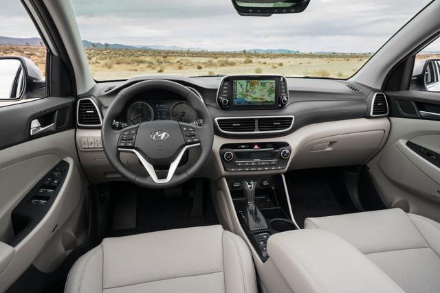 Hyundai Tucson 2019 với nội thất kiểu Santa Fe rục rịch ra mắt tại Việt Nam, mẫu cũ cháy hàng trước Tết - Ảnh 2.