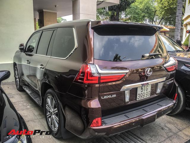 Đại gia Sài Gòn vung tay sắm Lexus LX570 màu lạ, đeo biển số tứ quý 9 - Ảnh 4.