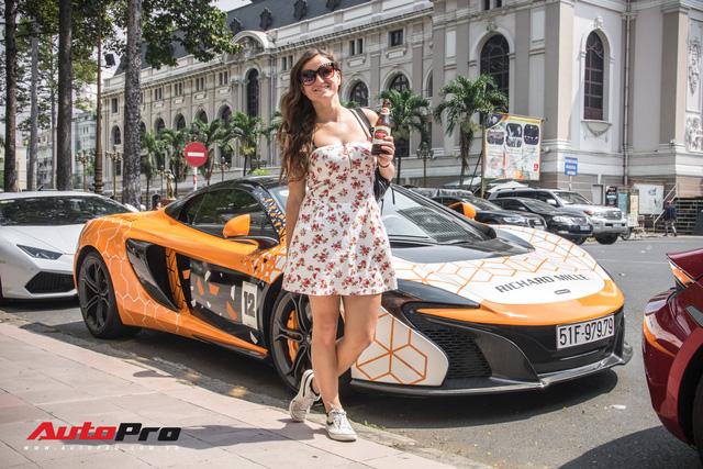 Khi fan cuồng đồng hồ Richard Mille đổi màu siêu xe McLaren 650S Spider - Ảnh 9.