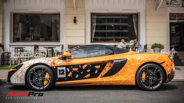 Khi fan cuồng đồng hồ Richard Mille đổi màu siêu xe McLaren 650S Spider - Ảnh 12.