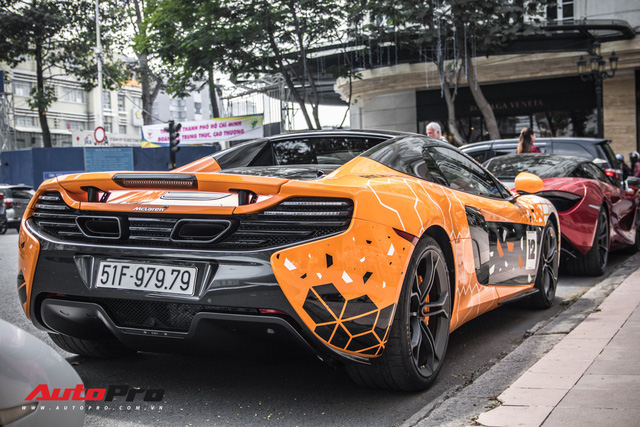 Khi fan cuồng đồng hồ Richard Mille đổi màu siêu xe McLaren 650S Spider - Ảnh 13.