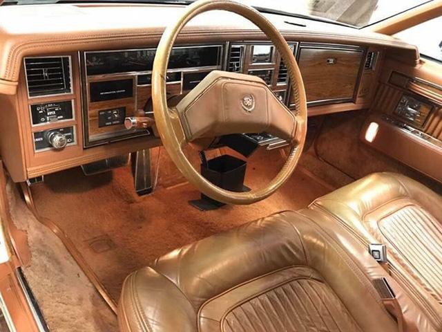Đồ cổ 40 năm tuổi Cadillac Seville hét giá hơn 1,7 tỷ đồng - Ảnh 4.