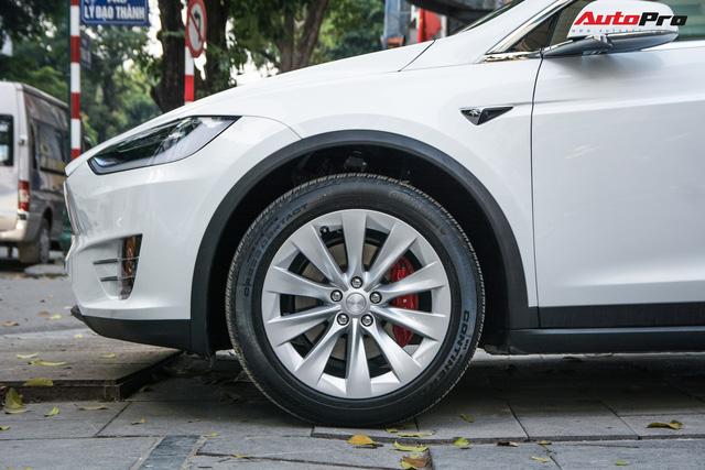 Tesla Model X màu trắng lạ lẫm xuất hiện tại Hà Nội - Ảnh 3.