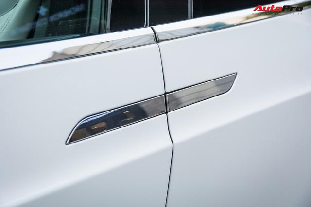 Tesla Model X màu trắng lạ lẫm xuất hiện tại Hà Nội - Ảnh 6.