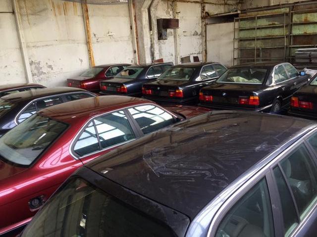 Kho báu giữa đời thực: Tìm thấy 11 chiếc BMW 5-Series 1994 chưa từng sử dụng - Ảnh 5.