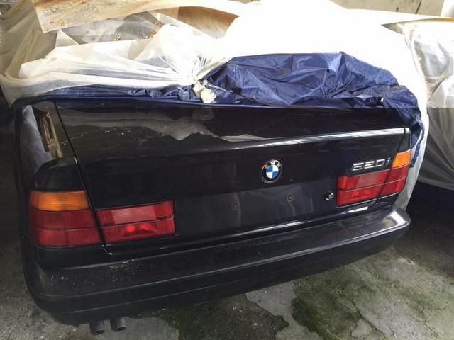 Kho báu giữa đời thực: Tìm thấy 11 chiếc BMW 5-Series 1994 chưa từng sử dụng - Ảnh 2.