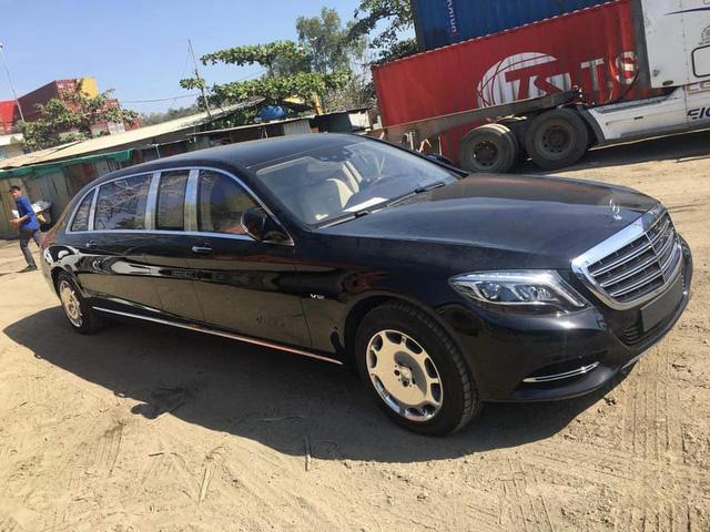 Bắt gặp Mercedes-Maybach S600 Pullman mới tậu của Chủ tịch tập đoàn FLC - Ảnh 2.