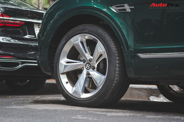 Soi kĩ Bentley Bentayga Onyx Edition hai tông màu độc nhất Việt Nam - Ảnh 8.