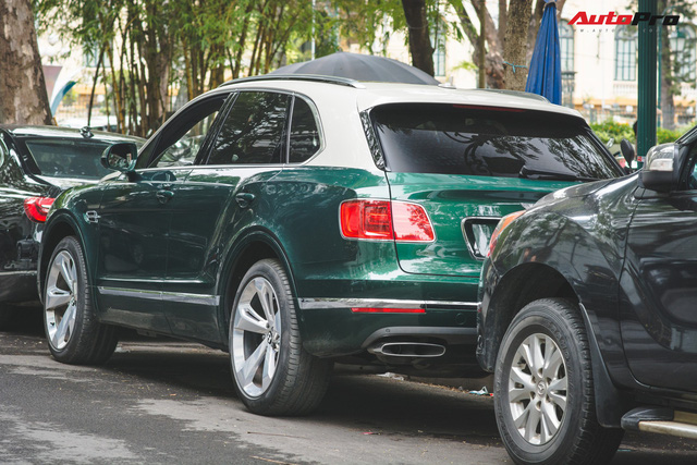 Soi kĩ Bentley Bentayga Onyx Edition hai tông màu độc nhất Việt Nam - Ảnh 3.