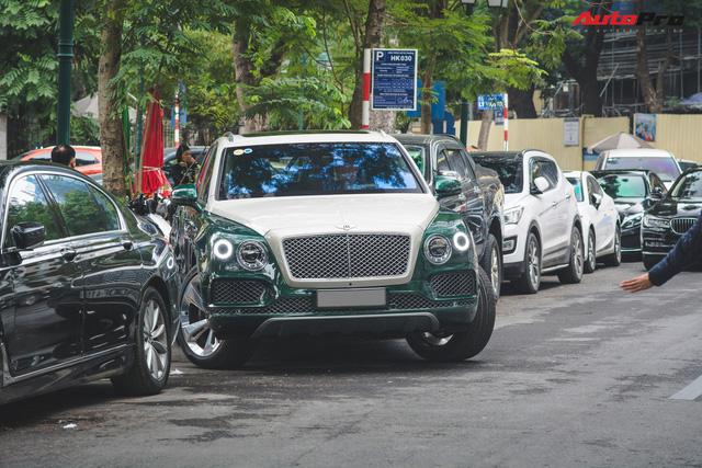 Soi kĩ Bentley Bentayga Onyx Edition hai tông màu độc nhất Việt Nam - Ảnh 11.
