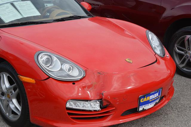 4 cậu nhóc đột nhập vào đại lý siêu xe chơi xe đụng, thiệt hại gần 1 triệu USD - Ảnh 5.