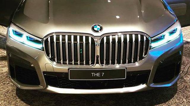 BMW 7-Series lộ hàng với tản nhiệt khổng lồ