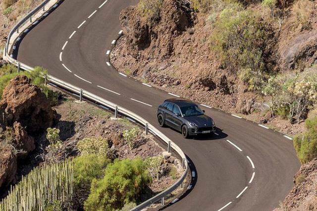 Những kinh nghiệm sống còn khi lái xe đường đèo núi - Ảnh 2.