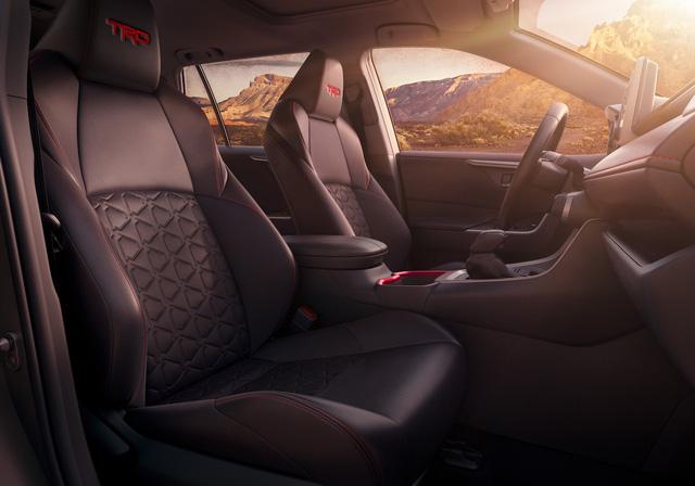 Toyota tung phiên bản RAV4 mới, Mazda CX-5 và Honda CR-V không phải đối thủ xứng tầm - Ảnh 3.