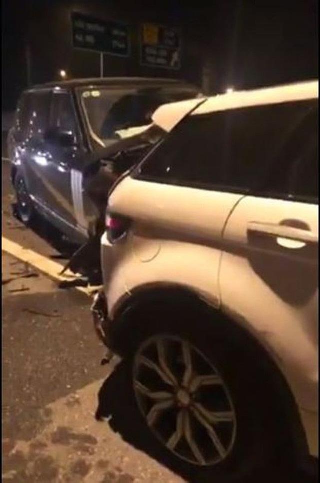 Vụ 2 xe Range Rover va chạm trên cao tốc Hà Nội - Hải Phòng: Trang phục của người phụ nữ bỗng gây chú ý - Ảnh 2.