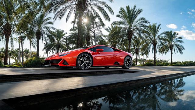 Siêu xe Huracan mới không có chữ LP và đây là lời giải thích bất ngờ từ Lamborghini