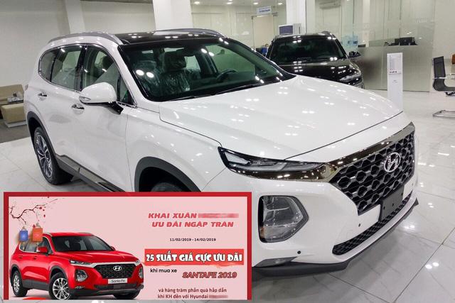 Sau Tết, giá Hyundai Santa Fe 2019 hạ nhiệt, không còn 'lạc' 100 triệu đồng - Ảnh 1.