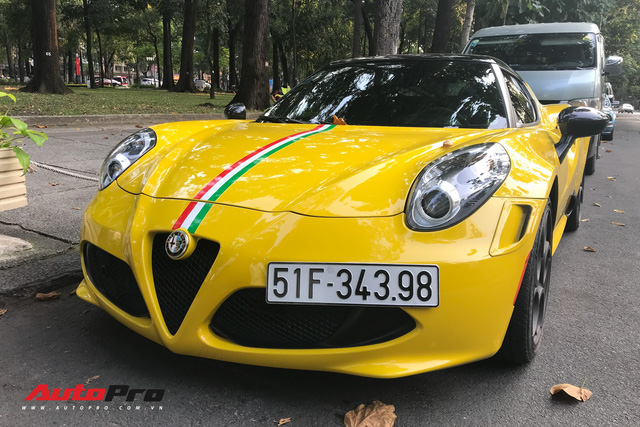 Độc nhất VN và tăng tốc ngang Ferrari nhưng Alfa Romeo 4C Launch Edition còn làm nức lòng giới mộ điệu bằng những điều này - Ảnh 3.