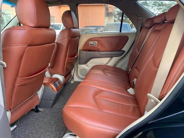 Rẻ hơn Kia Morning cả chục triệu, có nên mua Lexus RX300 cũ? - Ảnh 6.