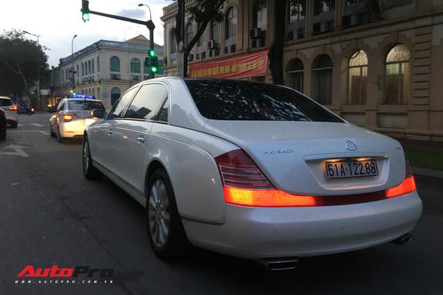Maybach 62S màu trắng hàng hiếm thuộc bộ sưu tập hầm gửi xe triệu đô - Ảnh 3.