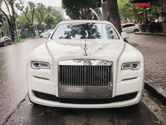 Dân chơi Hà thành mua Rolls-Royce nhưng bộ sưu tập xe khủng đang có gây tò mò - Ảnh 3.