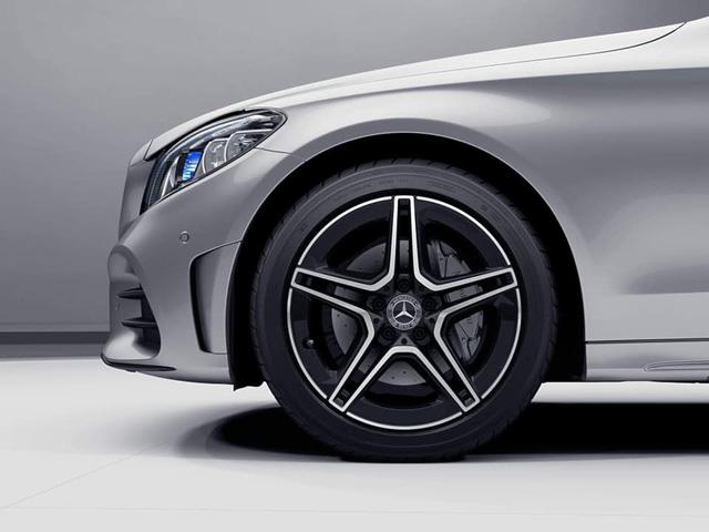 Mercedes-Benz C-Class 2019 lộ ảnh nội thất và giá bán dự kiến từ 1,499 tỷ đồng tại Việt Nam - Ảnh 2.