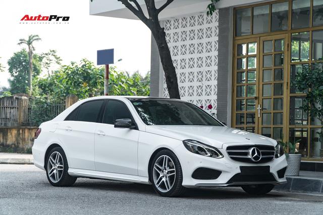 Nếu không chờ được Mercedes-Benz C-Class 2019, hãy mua chiếc E-Class này vì giá của chúng bằng nhau - Ảnh 2.