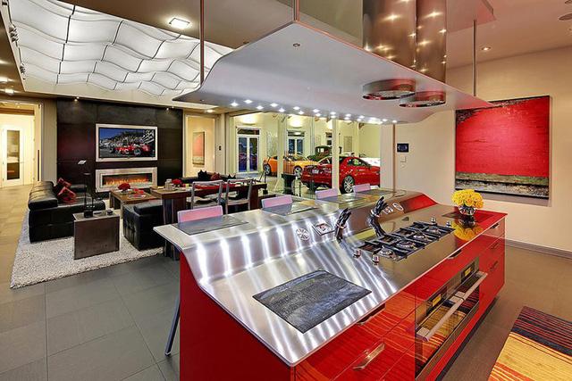 Những garage xe đáng mơ ước nhất thế giới - Ảnh 3.