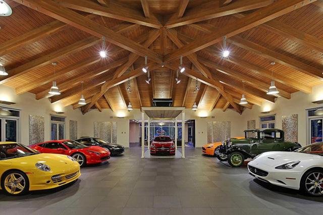 Những garage xe đáng mơ ước nhất thế giới - Ảnh 2.