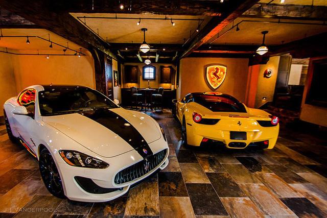 Những garage xe đáng mơ ước nhất thế giới - Ảnh 19.