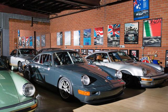 Những garage xe đáng mơ ước nhất thế giới - Ảnh 21.