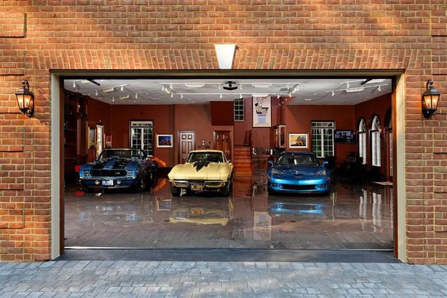 Những garage xe đáng mơ ước nhất thế giới - Ảnh 29.