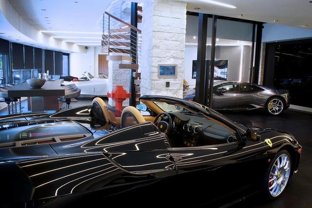 Những garage xe đáng mơ ước nhất thế giới - Ảnh 33.