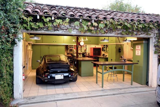 Những garage xe đáng mơ ước nhất thế giới - Ảnh 36.