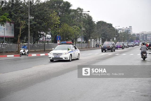 [ẢNH] Chuyên xa The Beast của TT Trump cùng dàn xe đặc chủng hầm hố trên đường phố Hà Nội - Ảnh 10.