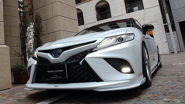 Toyota Camry đời mới độ JDM: Đã đẹp nay còn chất như Lexus