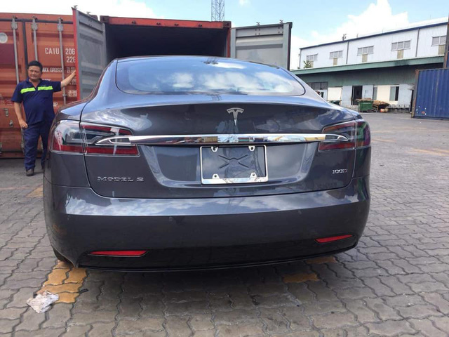 Khui công chiếc Tesla Model S siêu độc nhưng dễ nhầm lẫn tại Việt Nam - Ảnh 3.