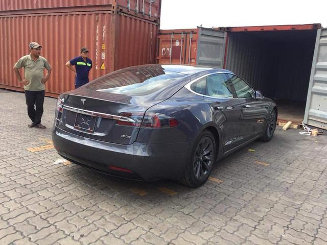 Khui công chiếc Tesla Model S siêu độc nhưng dễ nhầm lẫn tại Việt Nam - Ảnh 2.