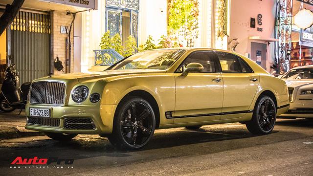 Ông chủ Đại Nam chi hơn 50 tỷ đồng mua Bentley Mulsanne EWB màu siêu độc tặng vợ dịp Tết - Ảnh 1.