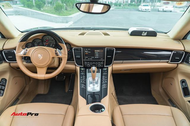 Sau 9 năm tuổi và 7 vạn km, Porsche Panamera vẫn đắt ngang Mercedes-Benz C300 AMG - Ảnh 5.
