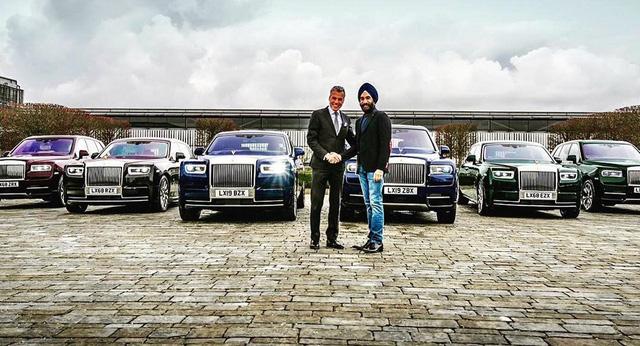 Tỷ phú nổi tiếng chơi Rolls-Royce theo màu khăn quấn đầu tậu 6 chiếc Phantom và Cullinan mới - Ảnh 1.
