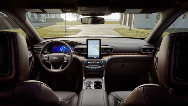 Bật mí cách Ford biến Explorer 2020 thành rạp phim 4 bánh - Ảnh 3.