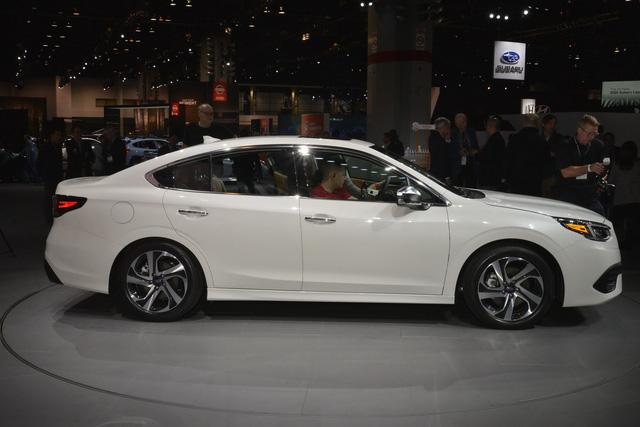 Ra mắt đối thủ mới của Toyota Camry nhưng Honda Accord mới đáng lo ngại - Ảnh 2.
