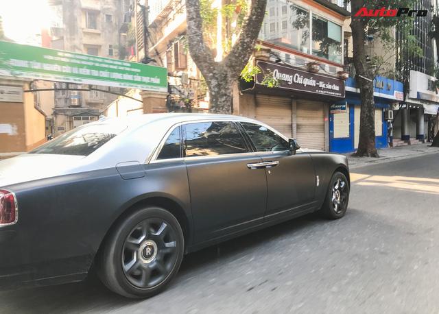 Rolls-Royce Ghost EWB cực hiếm tại Việt Nam dán decal phong cách cafe Trung Nguyên - Ảnh 3.
