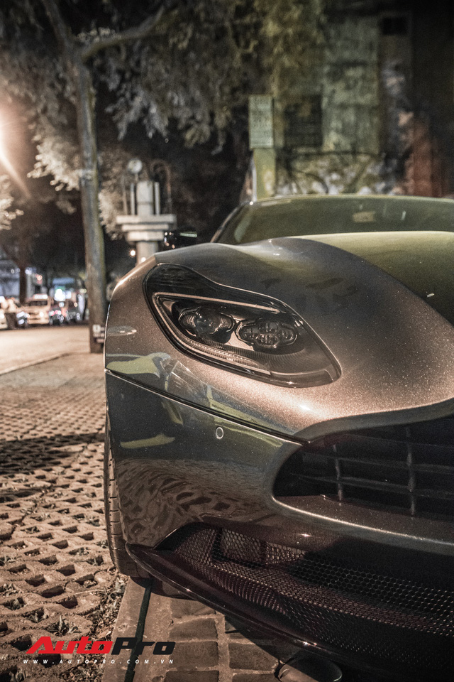 Aston Martin DB11 V8 lại xuất hiện cùng Mercedes-AMG SLS GT Final Edition của nhà chồng Hà Tăng, tuy nhiên lần này lại có sự khác biệt - Ảnh 13.