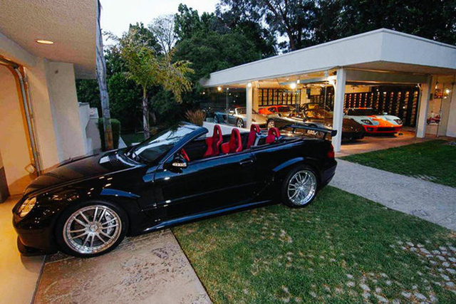 Những căn phòng để xe siêu đắt đỏ của giới nhà giàu - Ảnh 4.