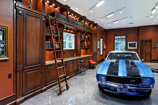 Những căn phòng để xe siêu đắt đỏ của giới nhà giàu - Ảnh 8.