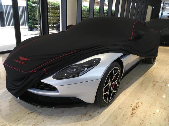 Lộ diện chủ xe Aston Martin DB11 V8 thứ 2 tại Việt Nam - Đại gia 8x sở hữu dàn siêu xe độ khủng - Ảnh 1.