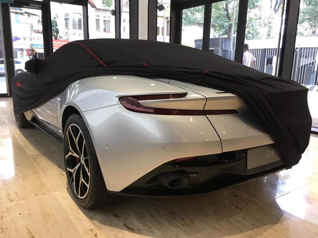 Lộ diện chủ xe Aston Martin DB11 V8 thứ 2 tại Việt Nam - Đại gia 8x sở hữu dàn siêu xe độ khủng - Ảnh 2.