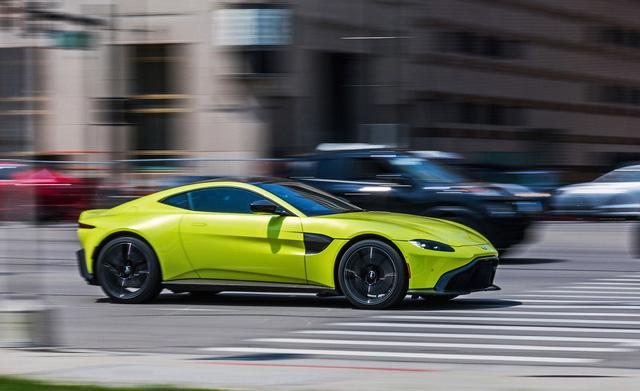 Aston Martin xác nhận ra mắt siêu xe mui trần mới trong năm 2019 - Đại gia Việt ngóng đợi - Ảnh 1.